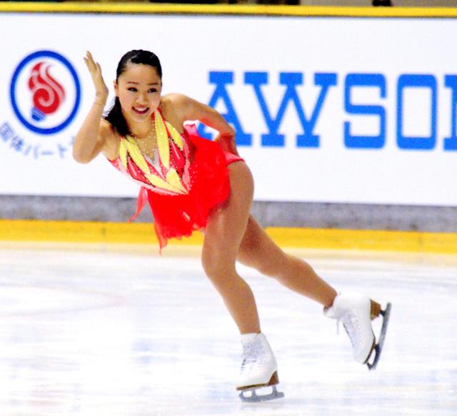 全国中学校スケート大会で樋口新葉選手が大会2連覇。本田真凜選手はフリーでトップに立ち総合で3位に