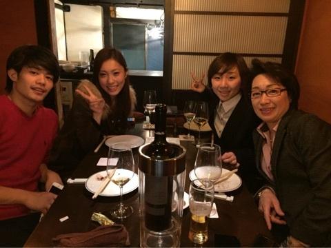 小塚崇彦がスケート連盟の橋本聖子会長と会食。選手としての今後の方針に関して相談をしたのかな?