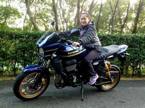 宮原知子の今シーズンは怪我もなく無事に終えオフシーズンに突入。田村コーチの大型バイクの乗っかるさっとんが可愛い