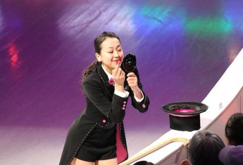 世界選手権2016エキシビション演技を浅田真央が披露。バンケットにも可愛いドレス姿で参加