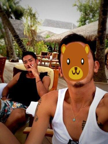 ちょっと意外だった?高橋大輔が仲の良いお友達と旅行中に喫煙している写真を見て一部のファンが驚いているみたいだ