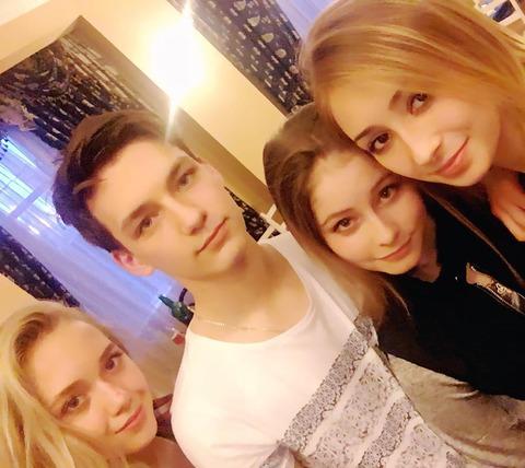 リプニツカヤとピトが久しぶりに一緒になって写真を撮ってるけど相変わらず美男美女だなぁ