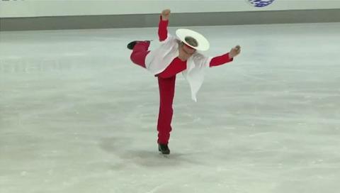 アダルトフィギュアスケートに出場したスケーターの衣装がどれも奇抜で面白すぎる(笑)