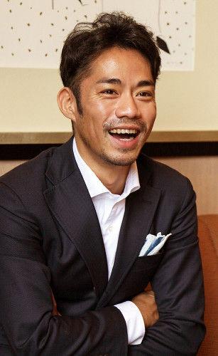 高橋大輔が引退発表後の生活や今後への挑戦をインタビューで語る。