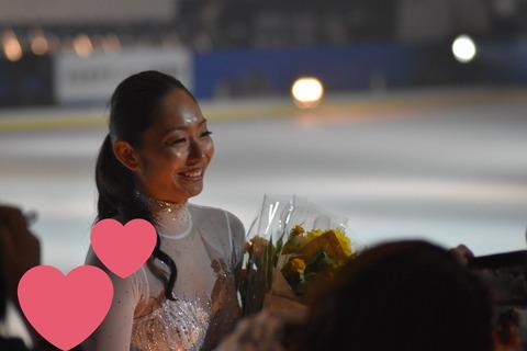 PIW2016東京公演で安藤美姫があまりにも真っ黒過ぎて氷上でひときわ目立つと話題に&荒川静香は真っ白な美白でいつも美しい