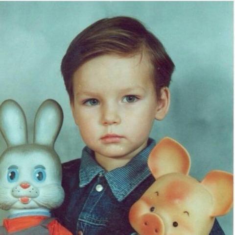 赤ちゃんの頃から既にイケメンに出来上がってるピトキーエフがとっても可愛い
