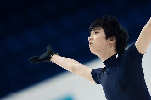 日本代表メモリアルで羽生結弦をサポートする城田さんに称賛の声。ファンに対する心遣いにも感謝