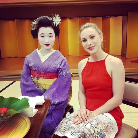 ザ・アイス海外組選手らが京都観光を満喫。舞子さんや抹茶を初体験し楽しそうだ