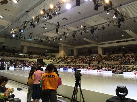 浅田真央のザ・アイス2016名古屋公演最終日に小塚崇彦がスペシャルゲストとして登場。最終日も観客満員で大盛り上がり
