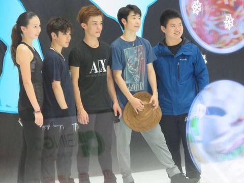 宇野昌磨の可愛さに中国女子も虜に?深センで開催されたアイスショーの写真を撮って公開する人が沢山いる