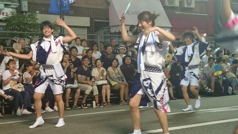 小塚崇彦が奥さんと徳島の阿波踊りに参加。仲睦まじい姿が目撃される
