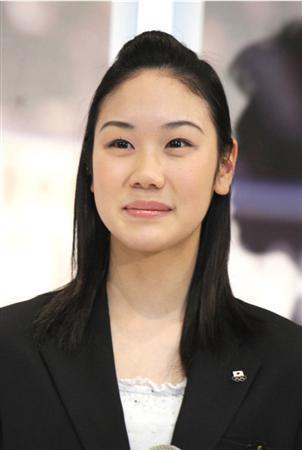 元フィギュア選手の中野友加里さんが第一子を出産