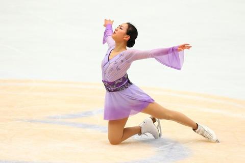 浅田真央の蝶々夫人の衣装はいつ見てもどの角度から見ても滑らかで美しい