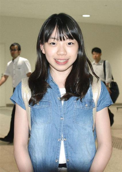 ジュニアGP2位の紀平梨花が帰国「2位になれてうれしい」と笑顔で振り返る。