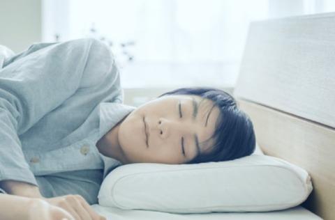 まさか羽生結弦の寝顔がこんなに近くで見られるとは・・・天使の寝顔とはこのことか