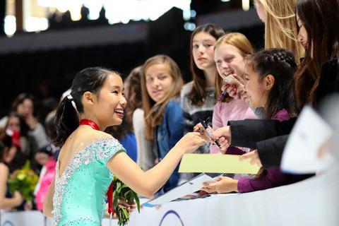 スケートアメリカ2016で3位の三原舞依が帰国「ジュニアの大会とは雰囲気違った」