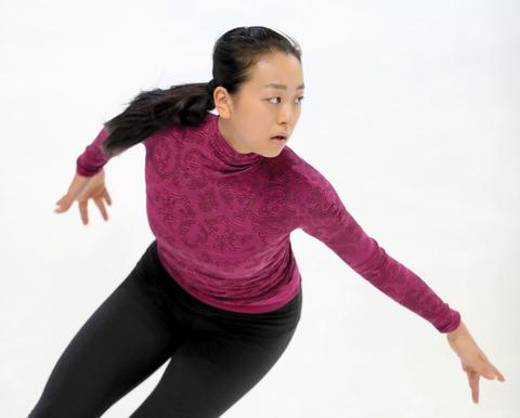 浅田真央「自分にはあと2年しかない選手生活」…公式練習で平昌五輪への決意
