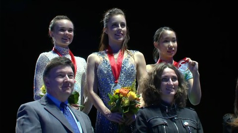 スケートアメリカ2016。女子フリー演技アシュリー・ワグナーが優勝。浅田真央は失意の6位。膝の痛みが影響か