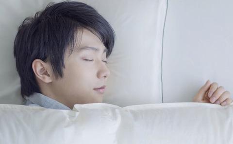 東京西川。羽生結弦×就寝前と起床篇のインタビュー映像公開。羽生結弦が布団の中に入った時に考える事とは?