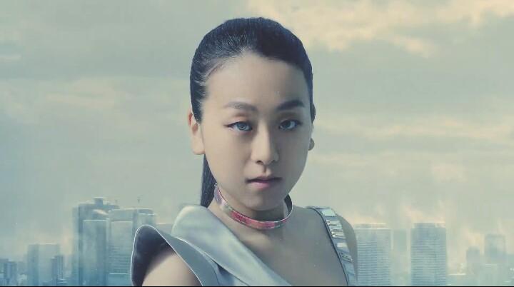 浅田真央が巨人に変身!姉の浅田舞と戦うストナCM公開