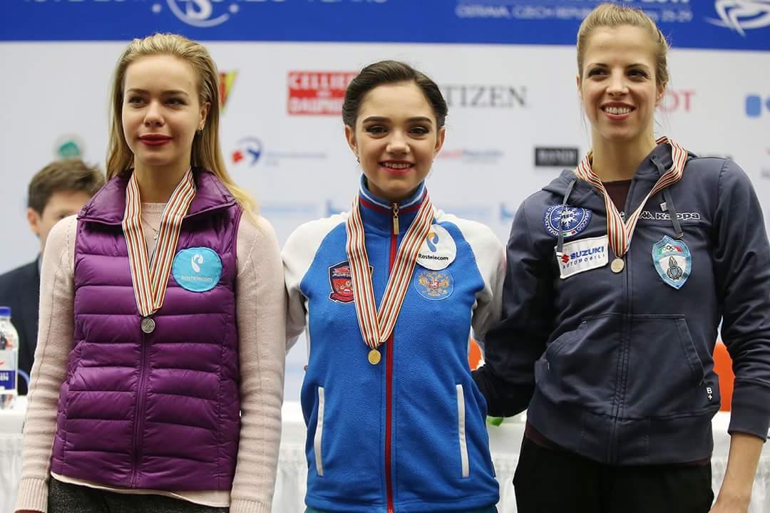欧州選手権2017。女子SPエフゲニア・メドベージェワが首位発進。3年ぶりに復帰したカロリーナ・コストナーは3位と好発進