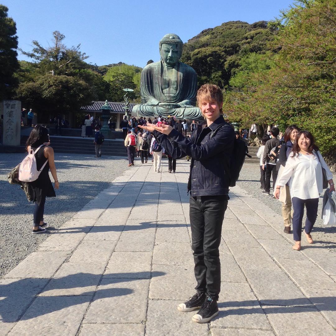ケヴィン・レイノルズが鎌倉へ足を運ぶ&パトリック・チャンが帰国の途へ
