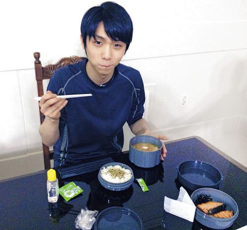 羽生結弦が勝ち飯メニューを初公開。世界選手権開催中に実際に食べていた食事メニュー
