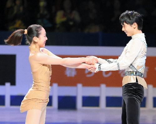 羽生結弦がコメントを発表「これからもずっと私の憧れの人です」引退・浅田真央へ感謝