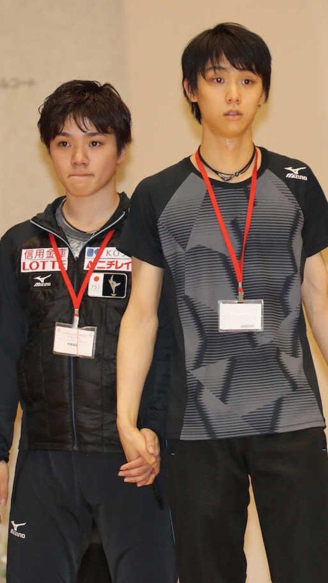 ファンも絶叫?羽生結弦選手と宇野昌磨選手が仲良し兄弟に見える写真を公開