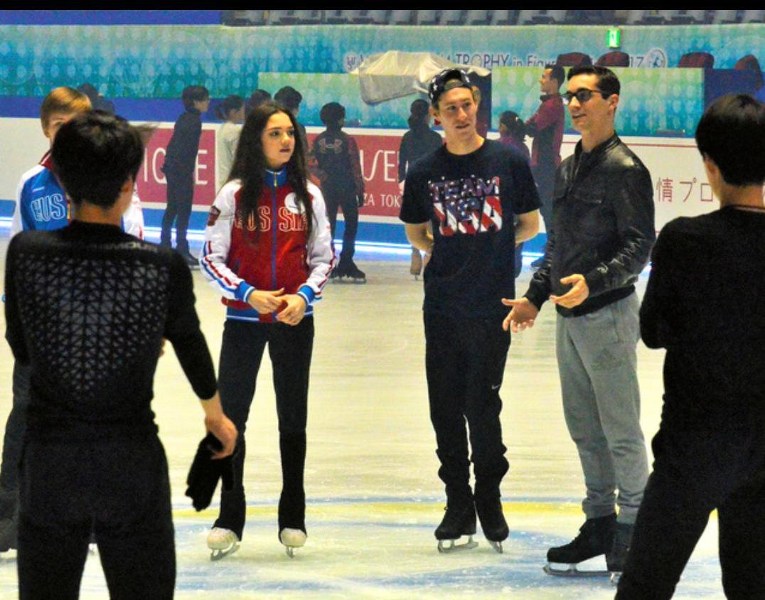 来日しているメドベージェワやハビエル・フェルナンデスらが日本のジュニア選手にスケート指導
