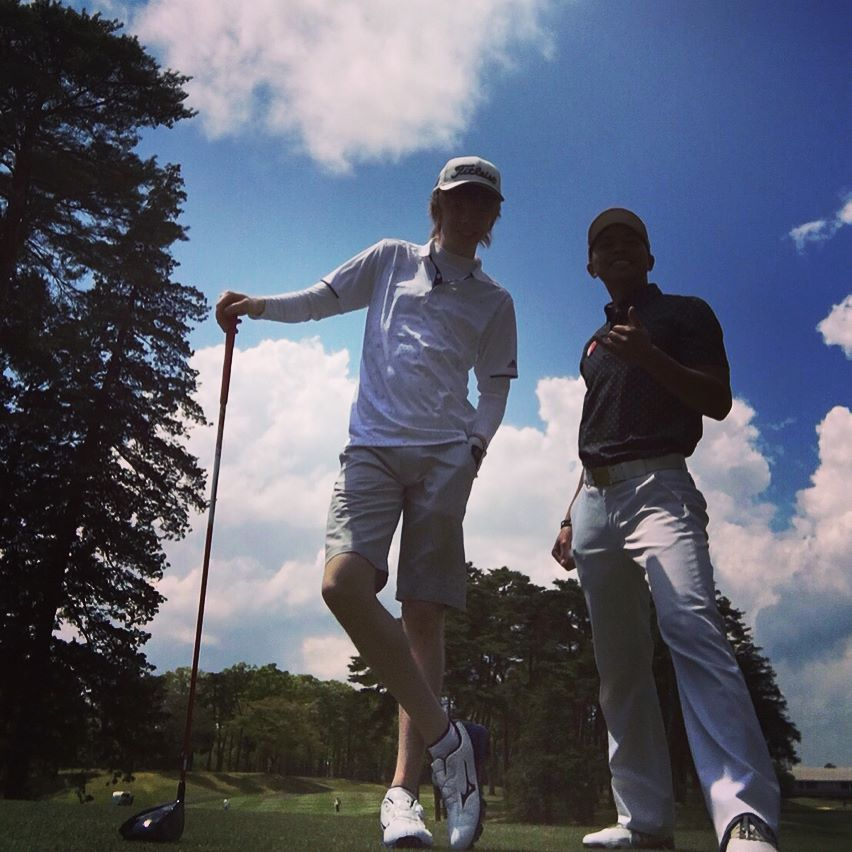 ケヴィン・レイノルズが竜ヶ崎でゴルフ。日本でバカンスを満喫中。