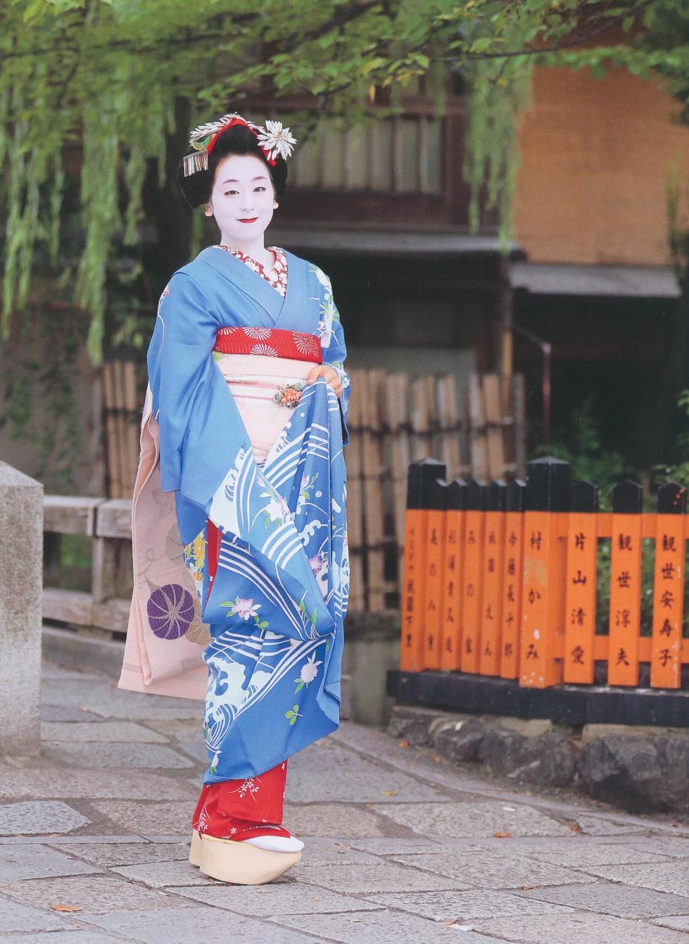 メドベージュワ選手の舞妓姿を見ると思い出す浅田真央ちゃんの舞妓さん姿にうっとり