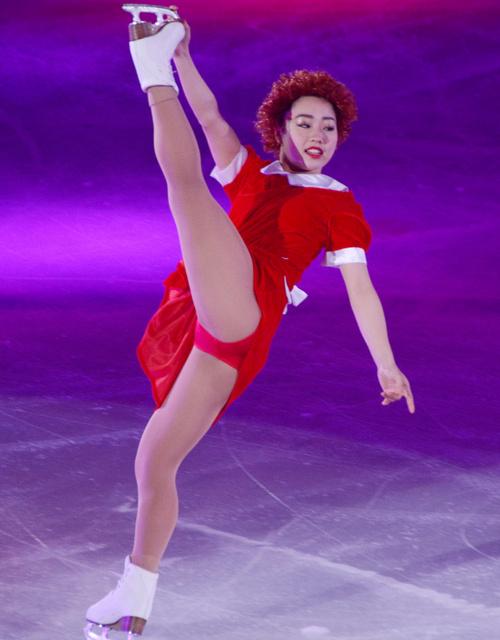 PIW2017で樋口新葉選手がアニーの仮装をして観客を盛り上げる&町田樹さんの挨拶を真似する場面も