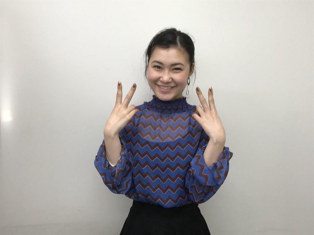 村上佳菜子がテレビに生出演し浅田舞と共演。好きな男性のタイプを打ち明ける