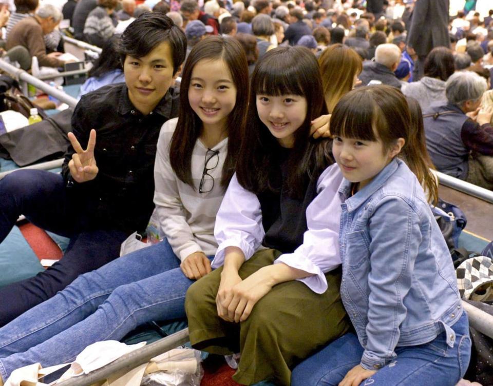 まるで親子?本田真凜と妹・紗来ちゃんの仲良しぶりが可愛くて微笑ましい