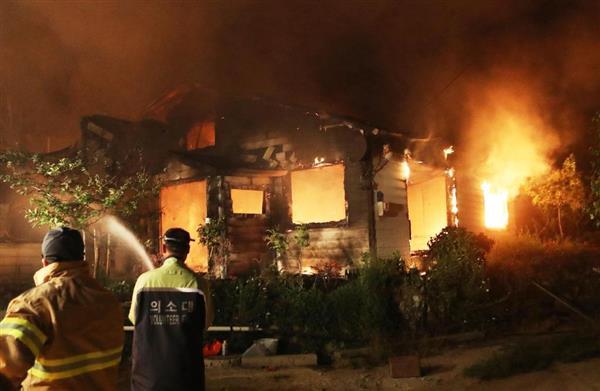 韓国の江陵(カンヌン)で大きな山火事が発生。平昌オリンピック選手村の工事現場まで火の手が迫っているとの事