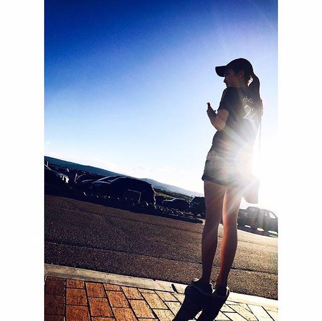 本田真凜がインスタグラムに素敵な写真をアップ。後ろ姿もスタイル抜群で綺麗