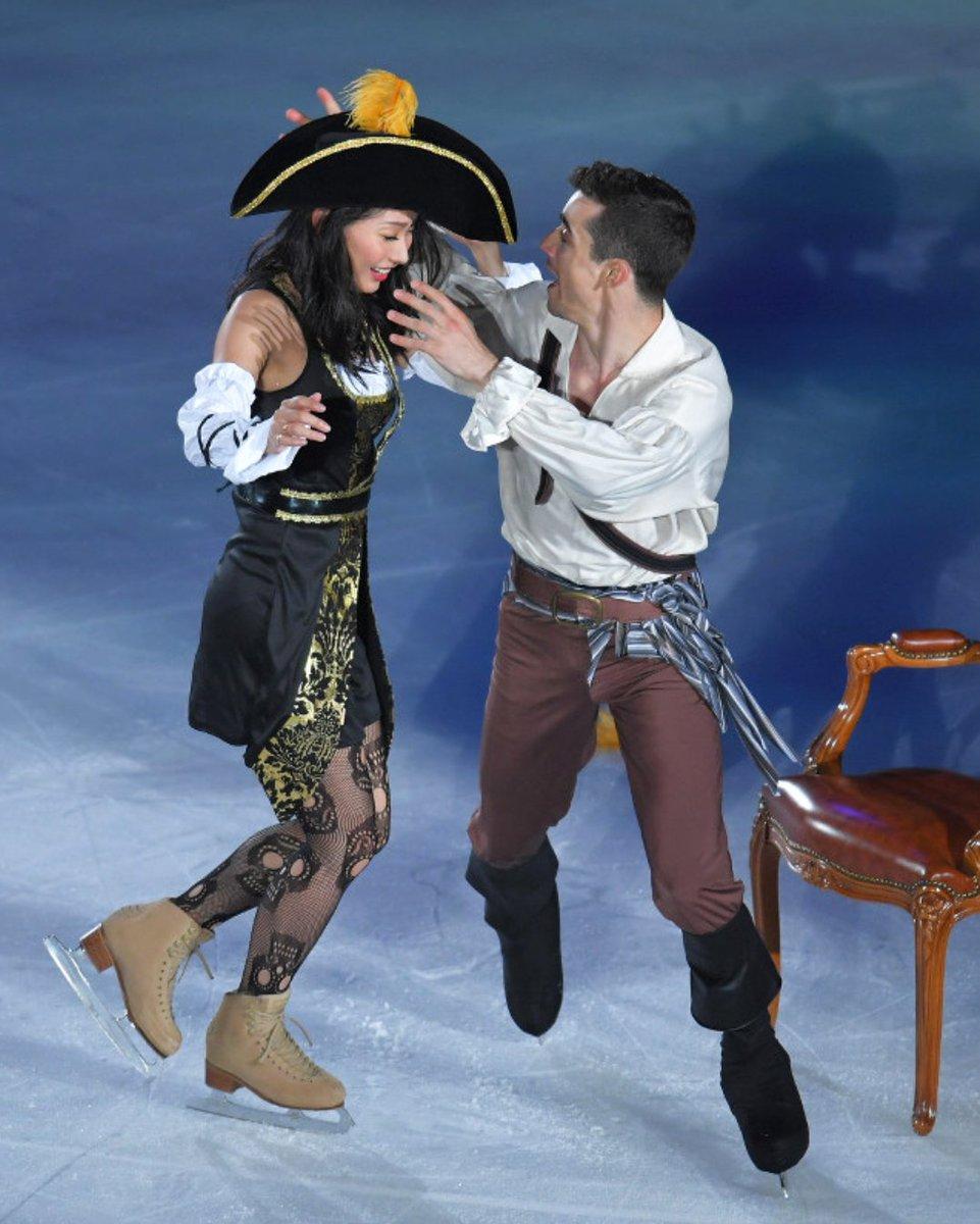 FaOI幕張2017。海賊に扮した安藤美姫がハビエル・フェルナンデスとまさかの2ショットを披露
