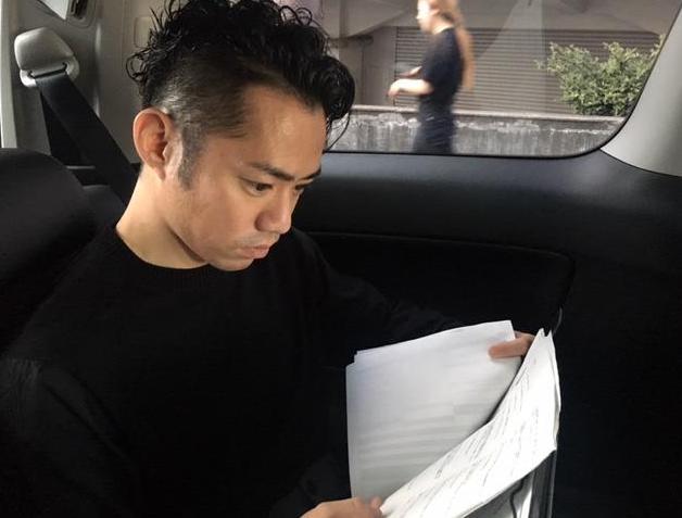 今夜放送されるNEWS ZEROに高橋大輔が出演。直木賞作家・辻村深月さんの執筆部屋を取材