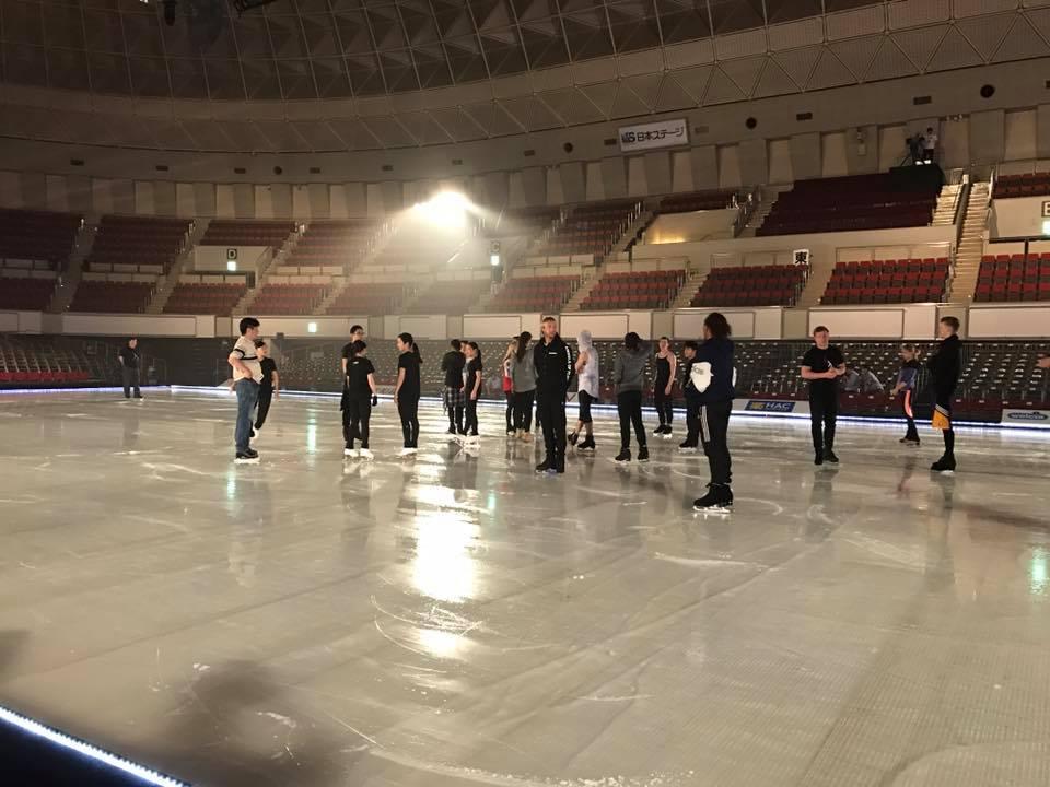 ファンタジー・オン・アイス2017神戸公演のオープニングフィナーレ練習風景を公開。羽生結弦選手は映ってないみたいだけど明日の開演が楽しみ