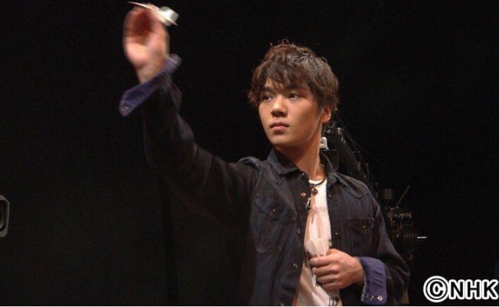 宇野昌磨選手が7月4日放送のグッと!スポーツでダーツに挑戦。投げるポーズも決まってる