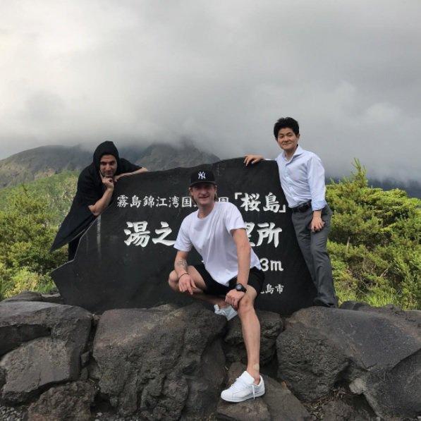 プルシェンコが鹿児島観光でフェリーに乗って桜島を訪れる
