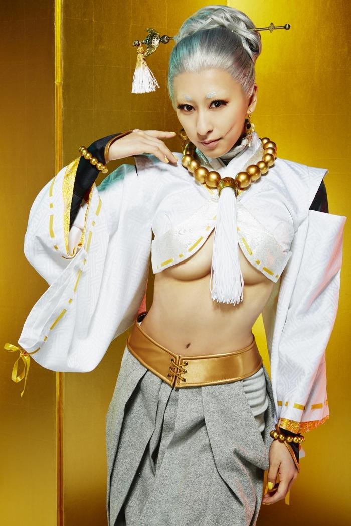 浅田舞が女優初挑戦でセクシー衣装を披露。妖艶遊女に変身