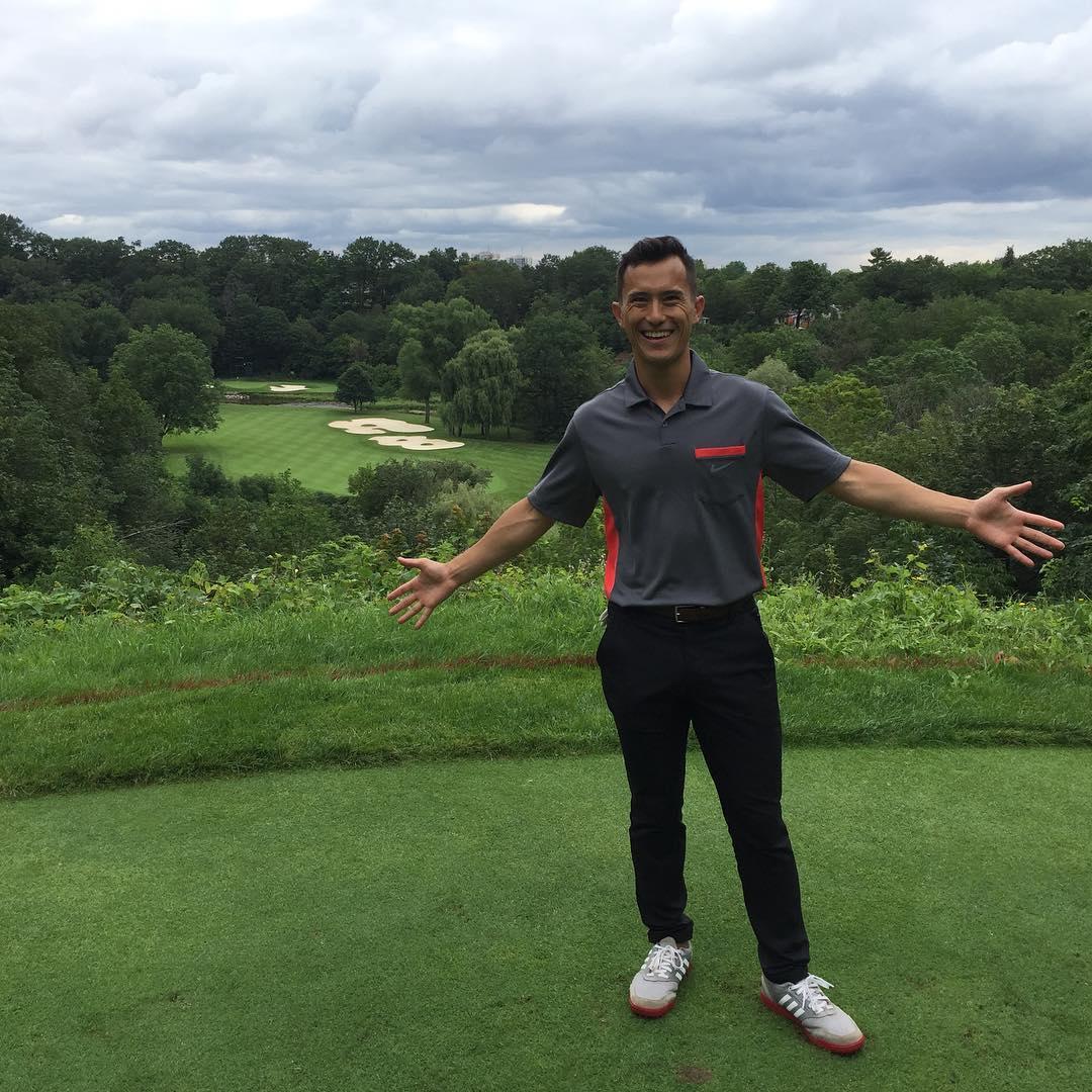 パトリック・チャンがゴルフで日焼け。肌の色が変わって別人に見える