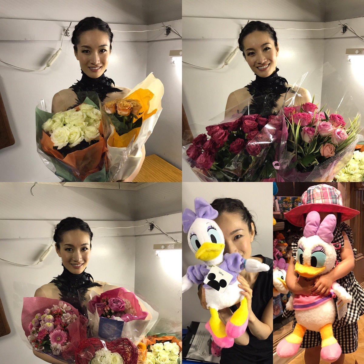 PIW2017東京公演が無事終了。お花に囲まれた荒川静香さんがとっても美人