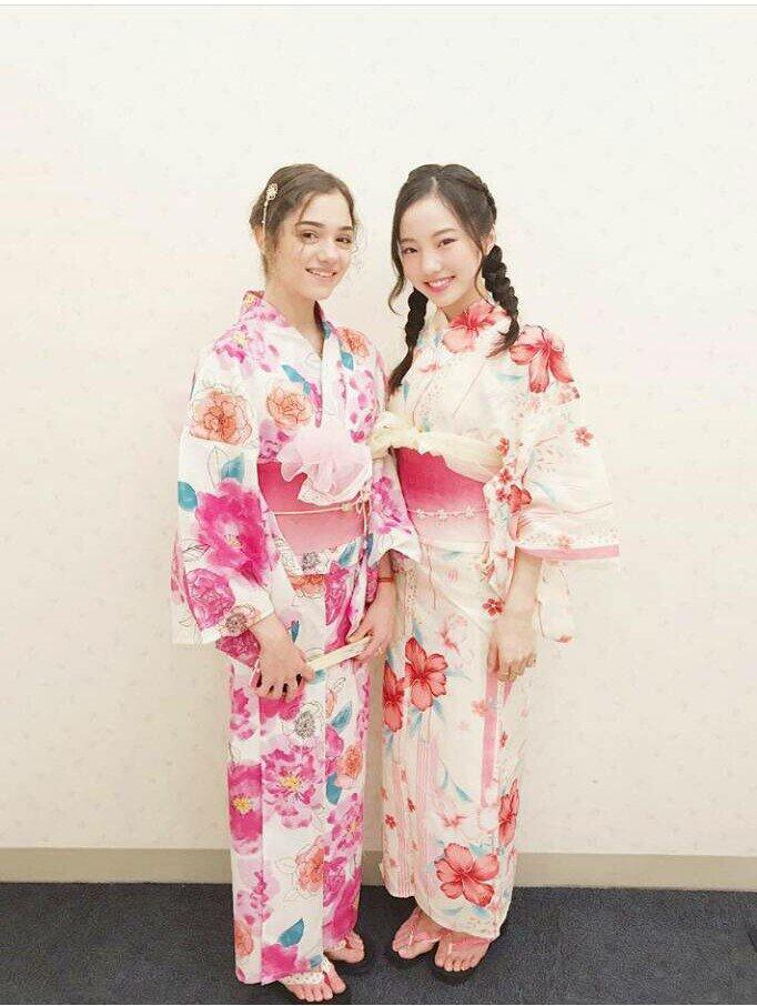 とっても可愛い。本田真凜とエフゲニア・メドベージェワが浴衣姿で並んでツーショット。
