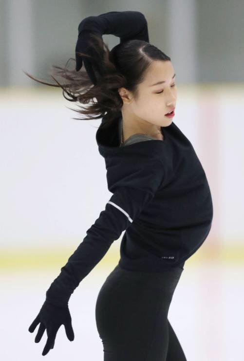 高難度プログラムで平昌シーズン勝負!三原舞依「少しずつ近づいている」。坂本花織「やばいです」 新プログラムの習得に全力