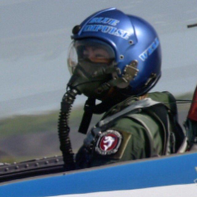 高橋大輔がブルーインパルスに搭乗し曲芸飛行を体験
