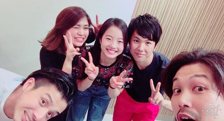 満面の笑み。本田真凜ちゃんと太一君が兄妹行きつけの美容院で仲良く記念撮影