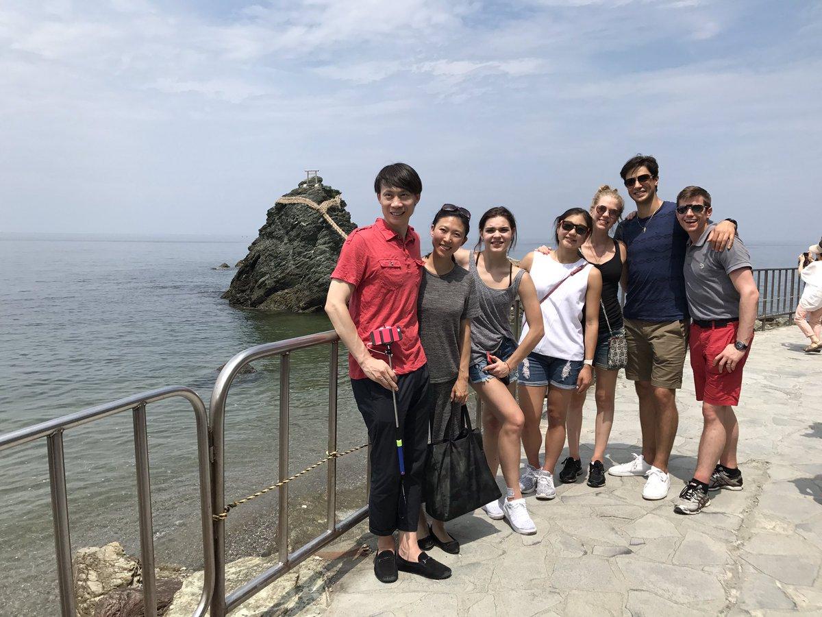 ザ・アイス出演のために来日している海外選手らが伊勢神宮を観光。暑い中、楽しんでいるみたいだ